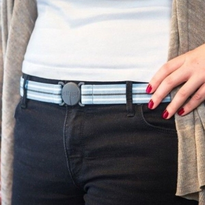 The Jelt Belt has a low-profile buckle and holds your pants tight. (Photo: The Jelt Belt)